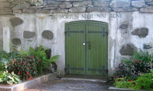 2-de_mortuis_nihil_nisi_bene